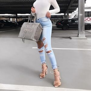 BRAND NEW Fashion Nova Beach Bum Distressed Jeans